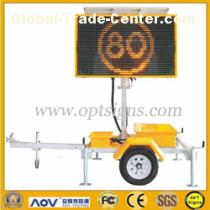 Amber Color Portable VMS trailer With 3* 200AH Deep Cycle
