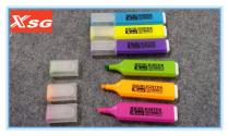 Highlighter pen with flat body